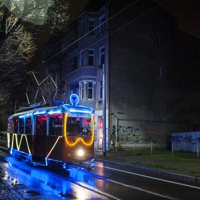 iluminowany_tramwaj_fot-bkociumbas