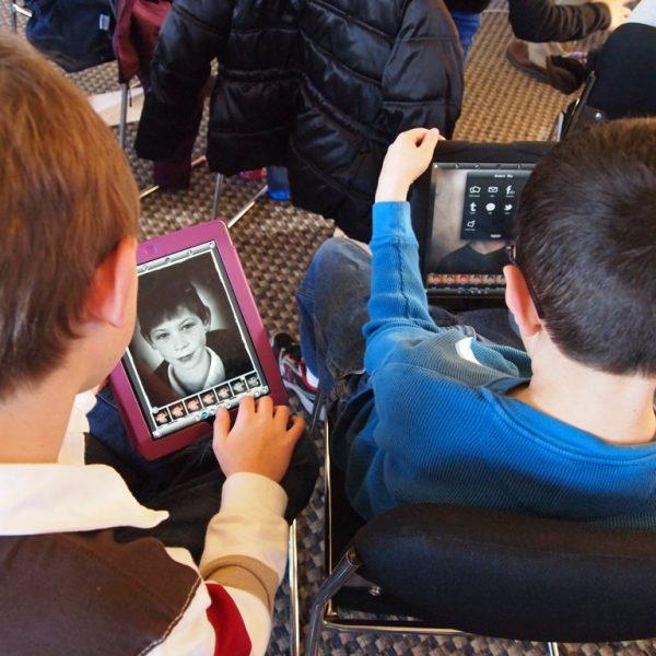 Czy smartfon może służyć edukacji? IKM zaprasza spotkanie z cyklu DEMolka – Domowa Edukacja Medialna